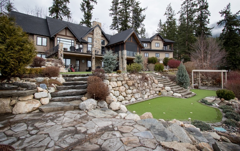 Riley associates shuswap waterfront properties for Lakefront landscaping photos
